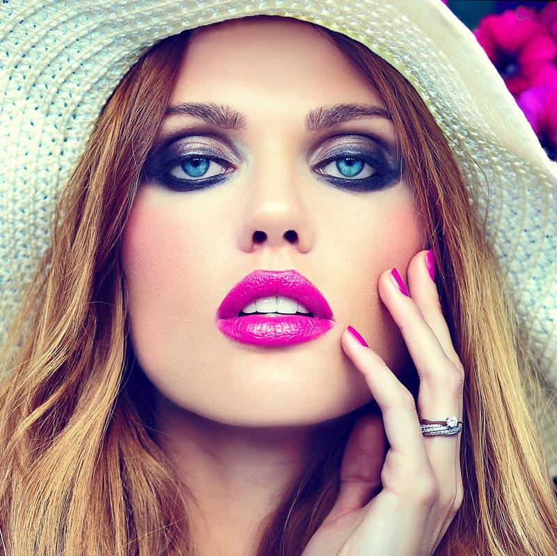 Kamuflaż makijażem